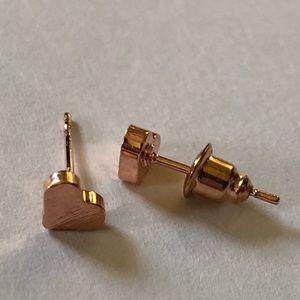Jewelry - Heart 💕 Shaped Earrings